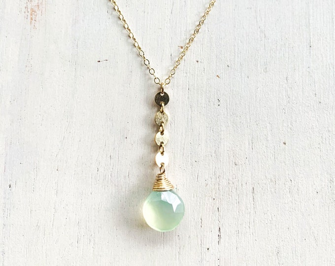 """Light Green Chalcedony Coin Necklace/14k Gold Filled/18"""""""