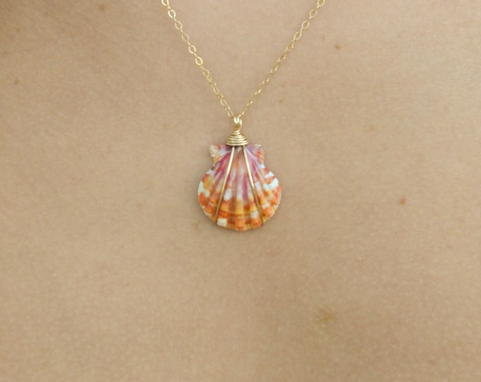 """Red and Magenta Sunrise Shell Necklace/14k Gold Filled/18"""""""