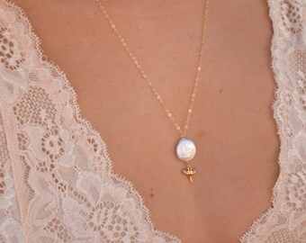 Coin Pearl x Tiny Shark Tooth Necklace/14k Gold Filled