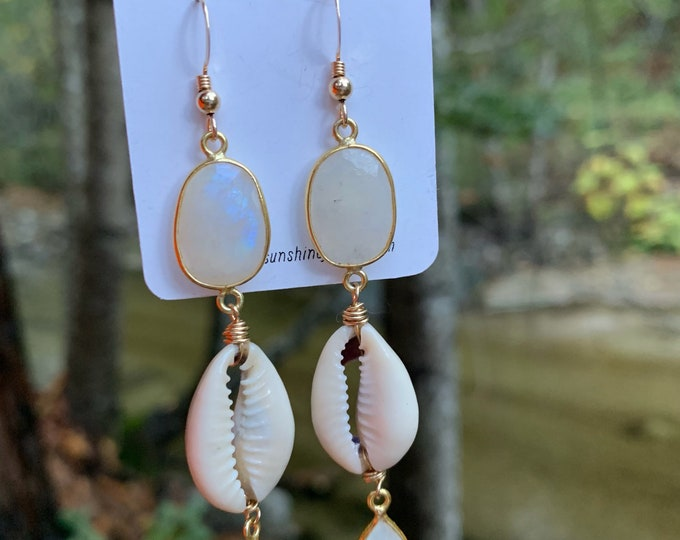 Moonstone x Cowrie Earrings/14k Gold Filled