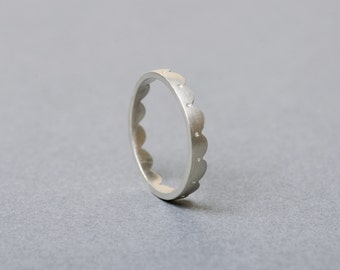 Silver Scalloped Ring Heavy