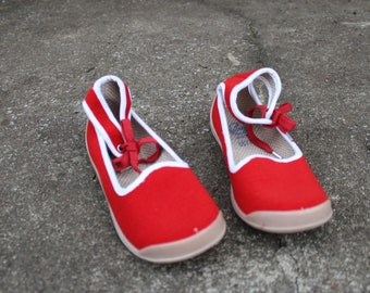 Soviet Kids Vintage Red Sandals Made in USSR Kids Shoes. Collectible