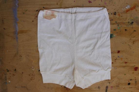 Sous-vêtements féminins inutilisés Vintage soviétique, russe 100 % coton blanc slips, caleçons avec étiquette de l'usine. Fabriqué en URSS, taille M - L