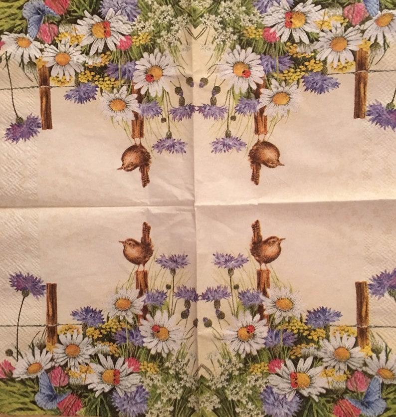 // NEWSPAPER 6 x Vintage PAPER Table Napkins 25cm x 25cm Decoupage //Craft