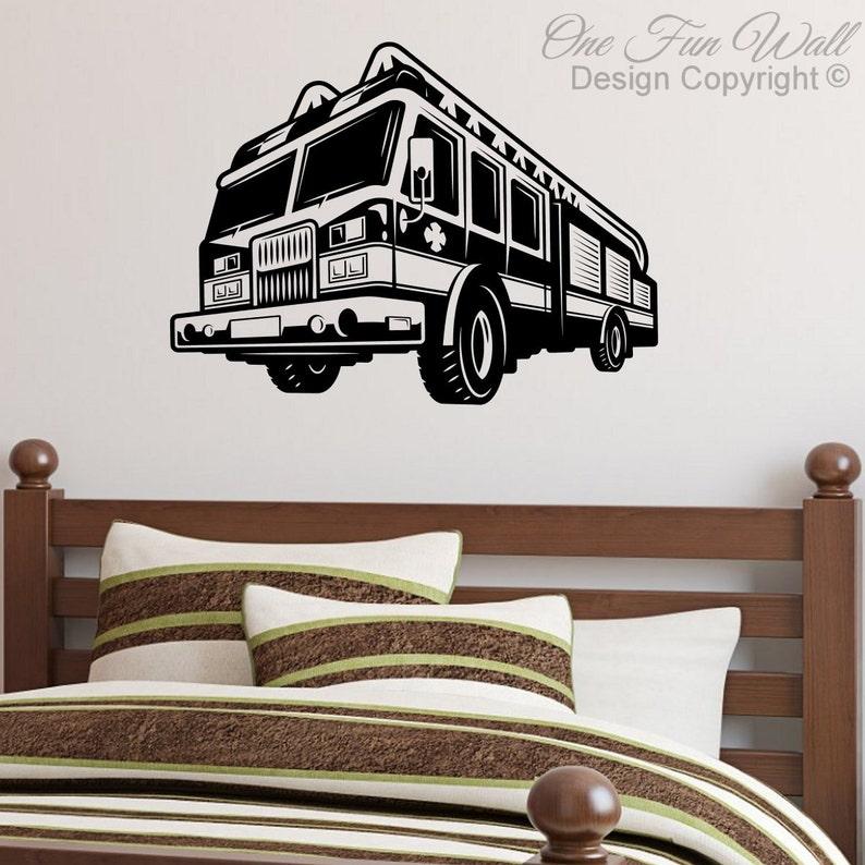 Fire Truck Wall Decal Sticker D\u00e9cor Firefighter Vinyl Removable Wall Art Boy/'s Girl/'s Child/'s Teen Bedroom Nursery