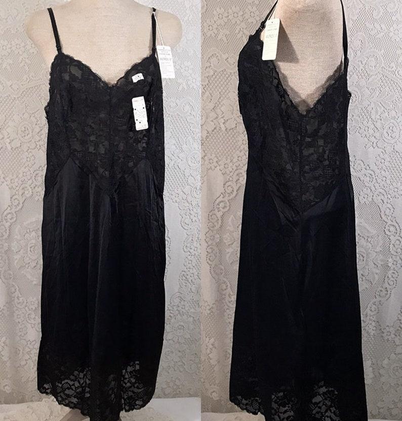 a438133b0155 Vintage Vanity Fair Antron III Tricot Black Full Slip Size 34   Etsy