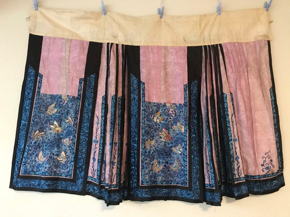 Antique Chinese silk pink embroidery skirt with bu
