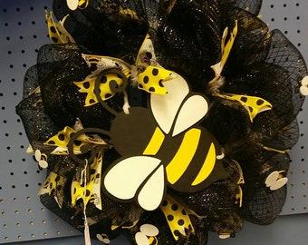 Bumble Bee  Mesh Wreath