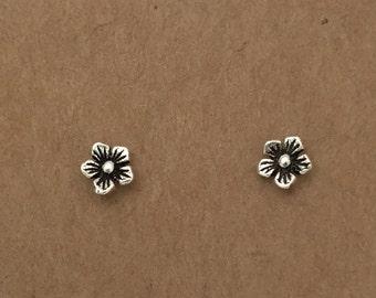 Sterling Silver Daisy Earrings, Stud Earrings, Flower Earrings, Silver Earrings, Flower, Silver,  Daisy, Minimalist, Studs, Sterling Silver