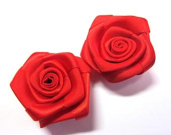 ROSEBUD SATIN RED 35 MM FLOWER