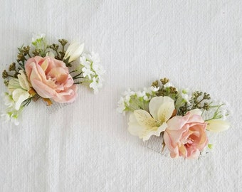 Flower Comb, Flower Hair Pin, Silk Flower Comb, Silk Flower Pin, Wedding Flowers, Hair Accessory, Silk Flowers, The Faux Bouquets