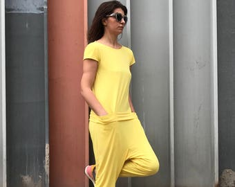 5c624783e417 Yellow jumpsuit