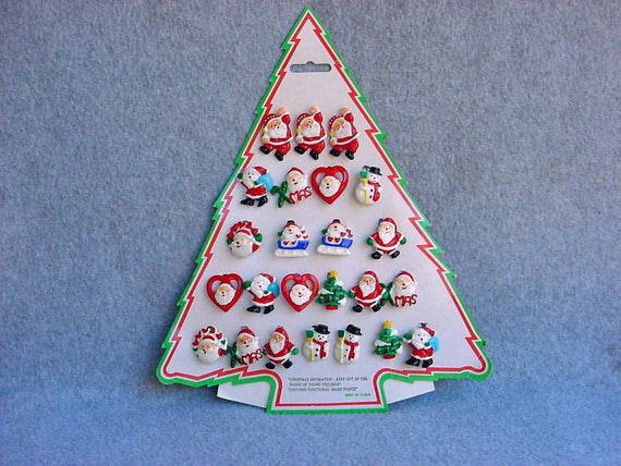 Christmas Brooches And Pins.Christmas Brooches Holiday Pins Counter Display 24 Plastic Santa Snowmen 1970 S Old Store Stock Tree Card Mint Unused