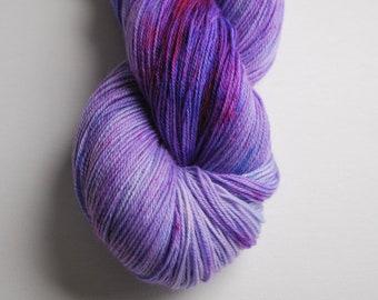 A Series of Unfortunate Events inspired yarn, SW Merino sock, nylon, fingering, nerd, 420 yards, purple, violet, Murakami, tonal, literary