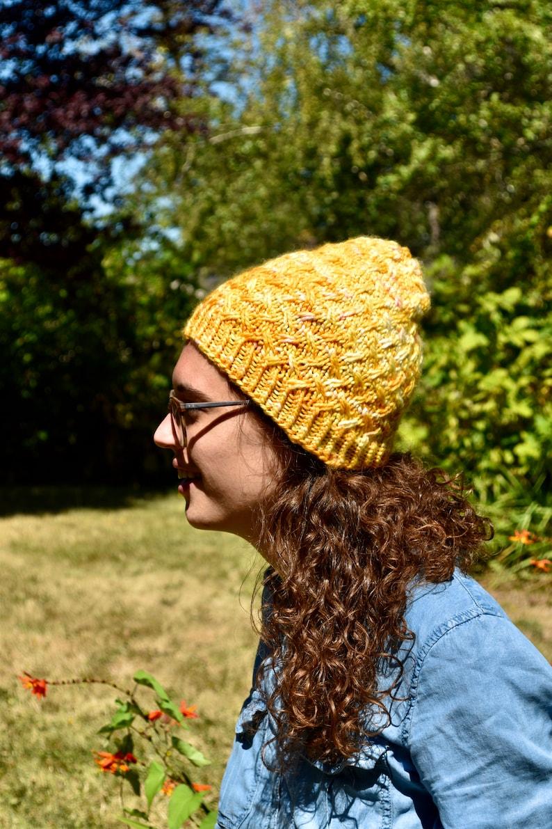 Karuna Tuque Knitting Pattern Cabled DIY image 0