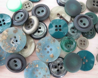 Assorted Green Buttons x 43