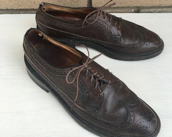 los angeles 00d29 60dc7 Vintage Men s Brown Leather Wingtips by Florsheim Imperial w Cat s Paw  Heels Size 8C FREE SHIPPING