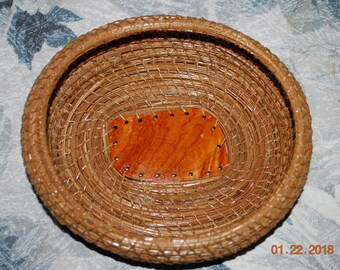 "Pine Needle Basket ""Mango Narra"""
