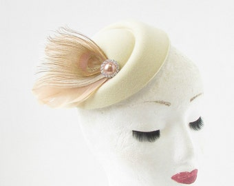 Cream Caramel Light Brown Feather Pillbox Hat Fascinator Headpiece Vtg Races 293