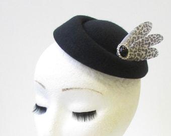 Grey Silver Leopard Print Feather Pillbox Hat Fascinator Rockabilly 1950s 1288