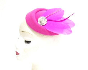 Hot Pink Silver Feather Pillbox Hat Fascinator Headpiece Vintage Races Hair 2281