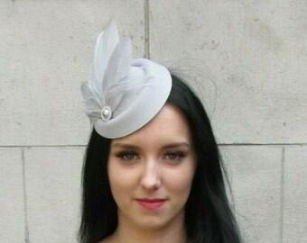 Navy Blue Silver Diamante Feather Pillbox Hat Fascinator Races Wedding Vtg 6443