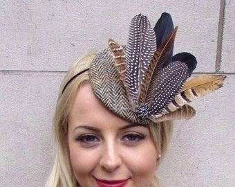 b12e75a14c5 Brown Black Harris Tweed Statement Feather Pillbox Hat Fascinator Races 4059