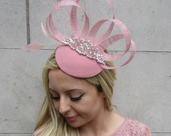 Rose Gold Blush Light Dusky Pink Feather Hat Fascinator Races Wedding Hair  6356 07cb9d0f213