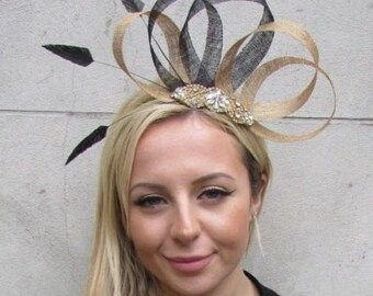 9806c9616507d Black   Gold Feather Fascinator Sinamay Diamante Wedding Races Hair Hat 6300