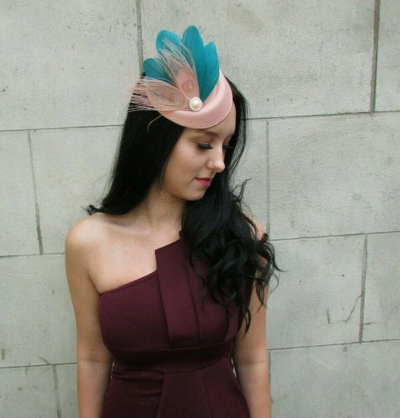 Peach Blush Nude Pink Turquoise Green Feather Hat Hair Clip Fascinator Vtg 7385