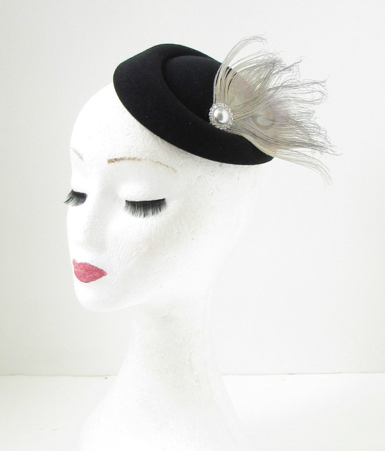 Black Grey Silver Feather Pillbox Fascinator Hat Races Vintage Hair Clip 40s 143