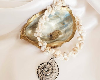 Blue Oyster Shell and Tassel Necklace Gold Fashion Coastal Accessories Jewelry Ocean