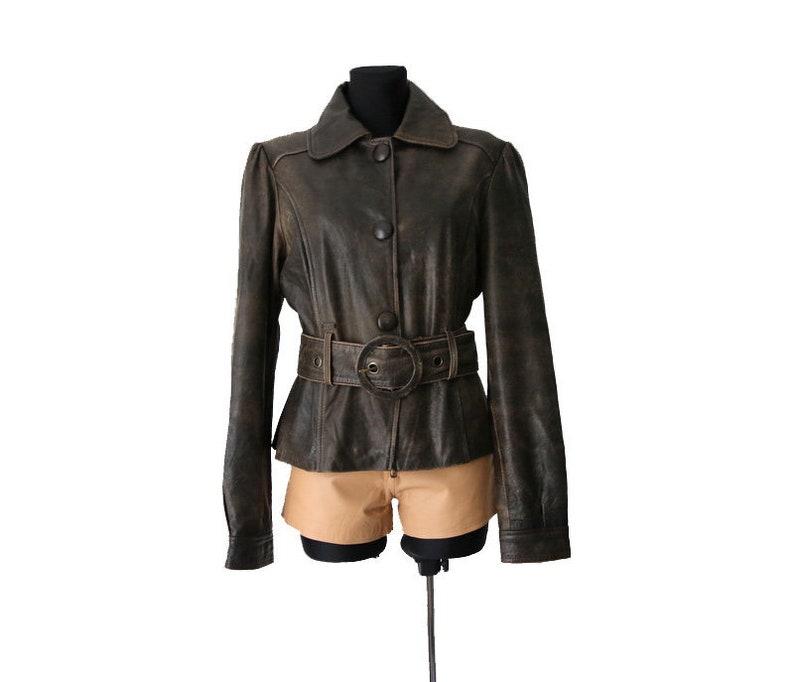 97c090b74e5 Veste en cuir marron vintage femmes avec ceinture de taille