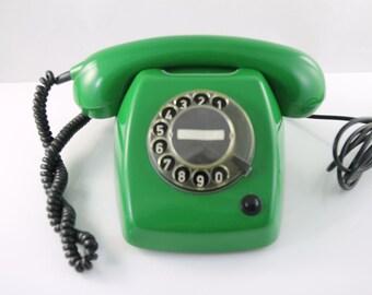 Vintage emerold Ericsson T65 telephone
