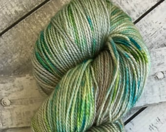 Hand Dyed Yarn, Sea Glass,Fingering Weight,2 ply,80/20 Superwash Merino/Silk blend,100 grams,indie dyed yarn,knit & crochet,Toad Hollow Yarn