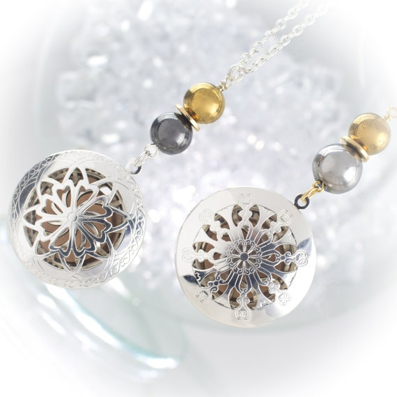 Ultimate Essential Oil Diffuser Silver Locket© with healing stones and diffuser insert