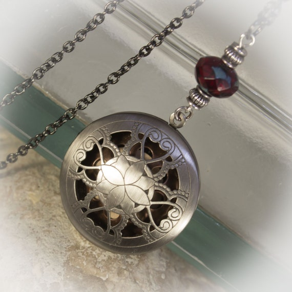 Ultimate Essential Oil locket © with diffuser insert