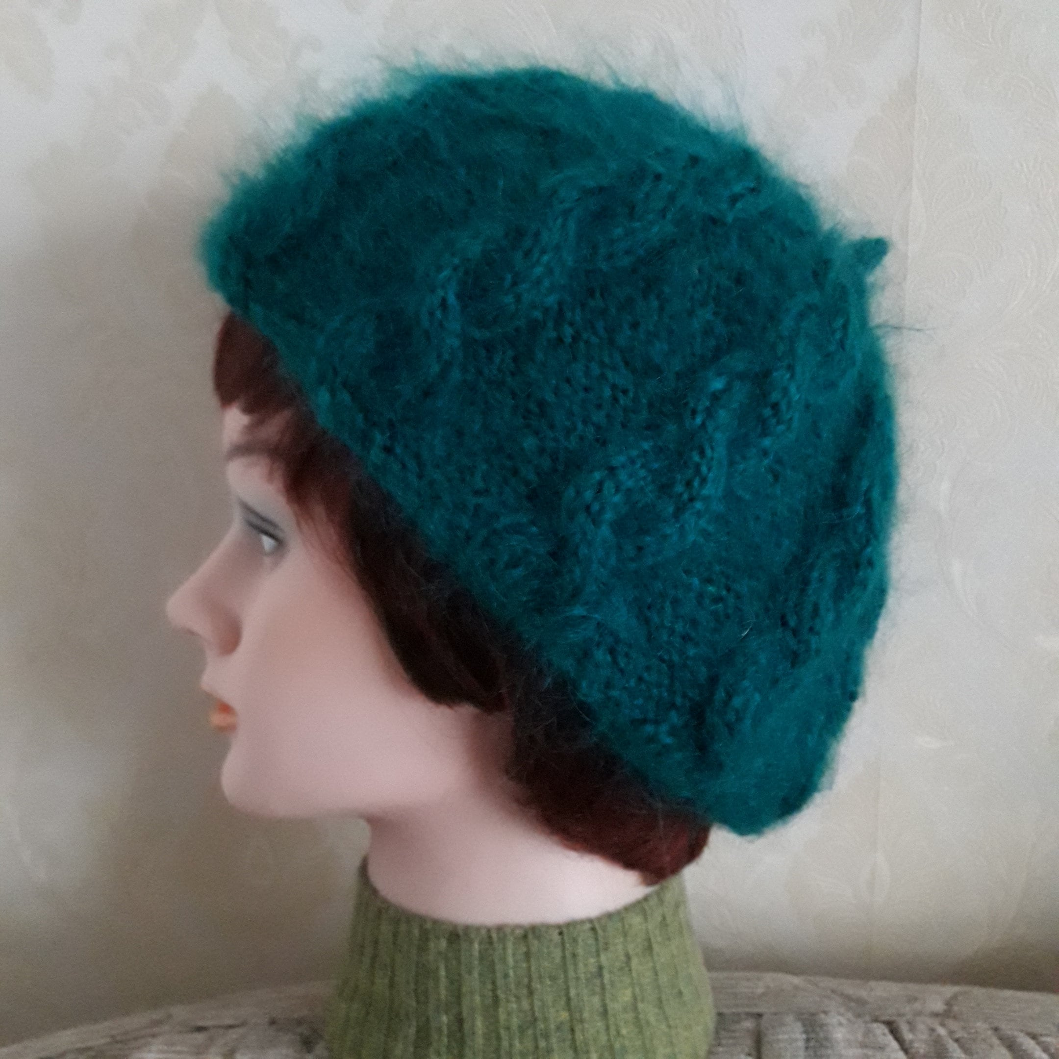 42bb3190cc83a Emerald green beret-British mohair yarn cable knit