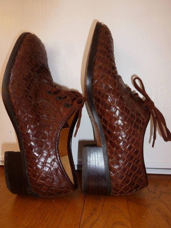 shoe woven leather and sole of crab - image 3