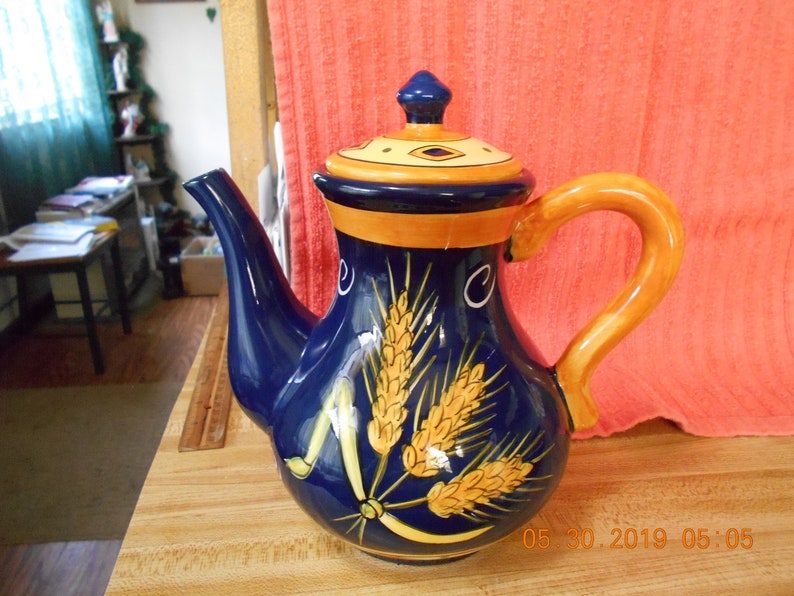 Young/'s Exclusive Decorative Teapot