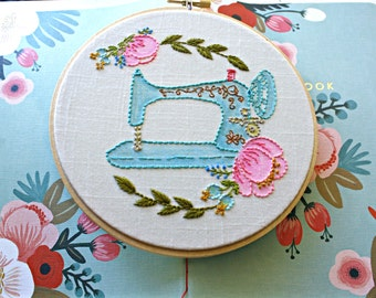 Singer Sewing Machine,Embroidery Hoop Art,Mothers Day Gift, Gifts For Quilters,Sewing Room Decor,Gift For Seamstress,Craft Room