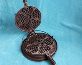Griswold Cast Iron 18 Heart Star Waffle Iron Small Star Low Base 919 920 913 Cleaned Seasoned
