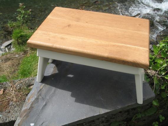 Solid Oak Top Shaker Style Wooden Stool