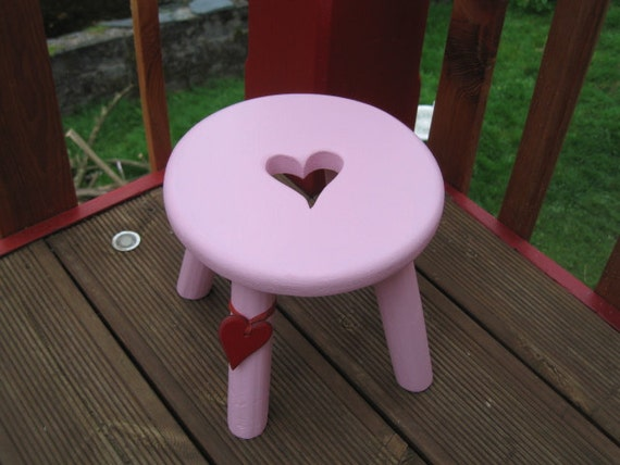 Heart wooden milking stool in pale pink