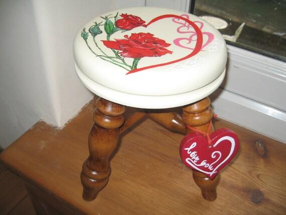Love-flower wooden milking stool