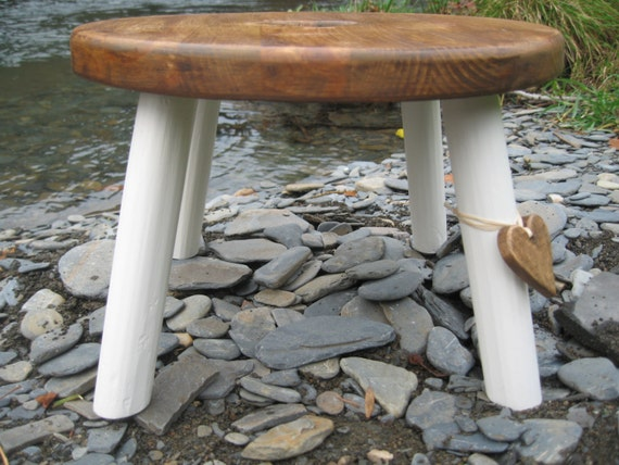 Plant Stand style Milking Stool
