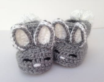 Baby boy bunny slippers. Easter gift for baby. crochet bunny booties.