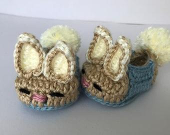 Peter Rabbit Baby booties. Bunny booties. Peter rabbit baby shower gift. Newborn gift. Babyshower gift.
