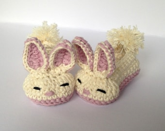 Baby Bunny crochet booties.Baby Easter Gift. Newborn Bunny booties.  Baby Girl shoes. Cotton baby shoes