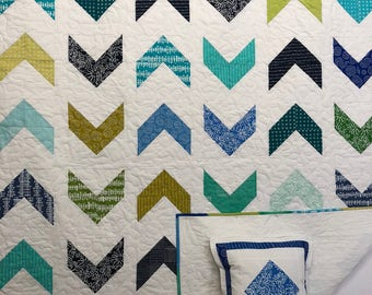 In Stock: Very Modern Chevron Twin Size Quilt 18002